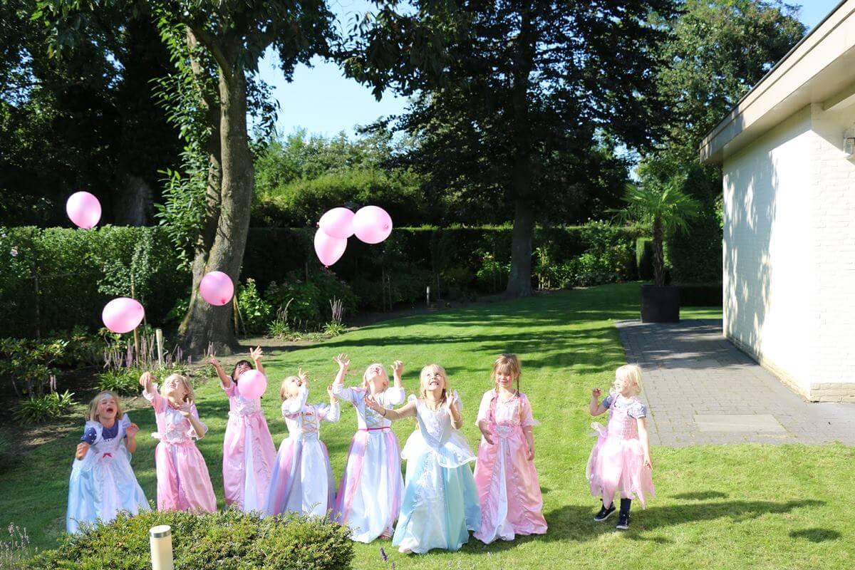 Welp Compleet prinsessenfeestje   Origineel meisjescadeau   Ziezow FC-23